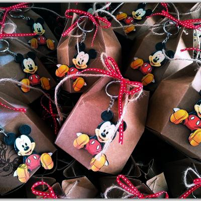 μπομπονιερα ξυλινο μπρελοκ mickey mouse
