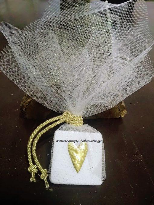 μπομπονιερα γαμου μαρμαρακι με καρδια φυλλο χρυσου